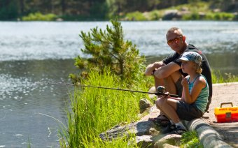 Family fishing in Rocky Mountain National Park, Estes Park, CO