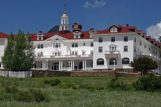 on the road from Estes Park, visit the Stanley resort, which inspired Stephen King's The Shining. Picture by Frank Kovalchek / CC with 2.0